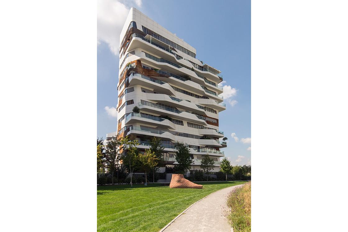 Citylife residential complex, Zaha Hadid 3 - Riccardo Bianchini Architectural Photography