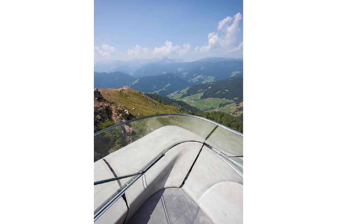 Messner Museum Corones Zaha Hadid 3 - Riccardo Bianchini, architectural photography